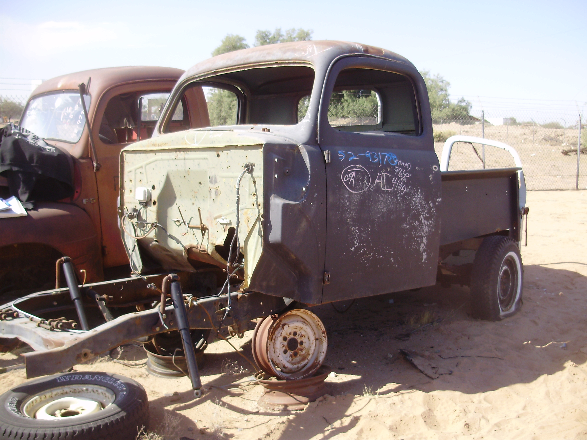 1952 Ford-Truck F 100 (#52FT9317C) | Desert Valley Auto Parts - photo#27